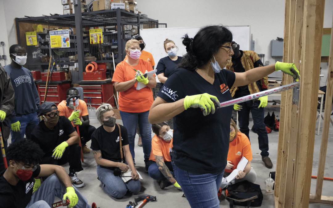 18 Austinites are Becoming Electricians with this No-Cost Opportunity